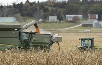 Friends, neighbors harvest crop for Nebraska farmer who died