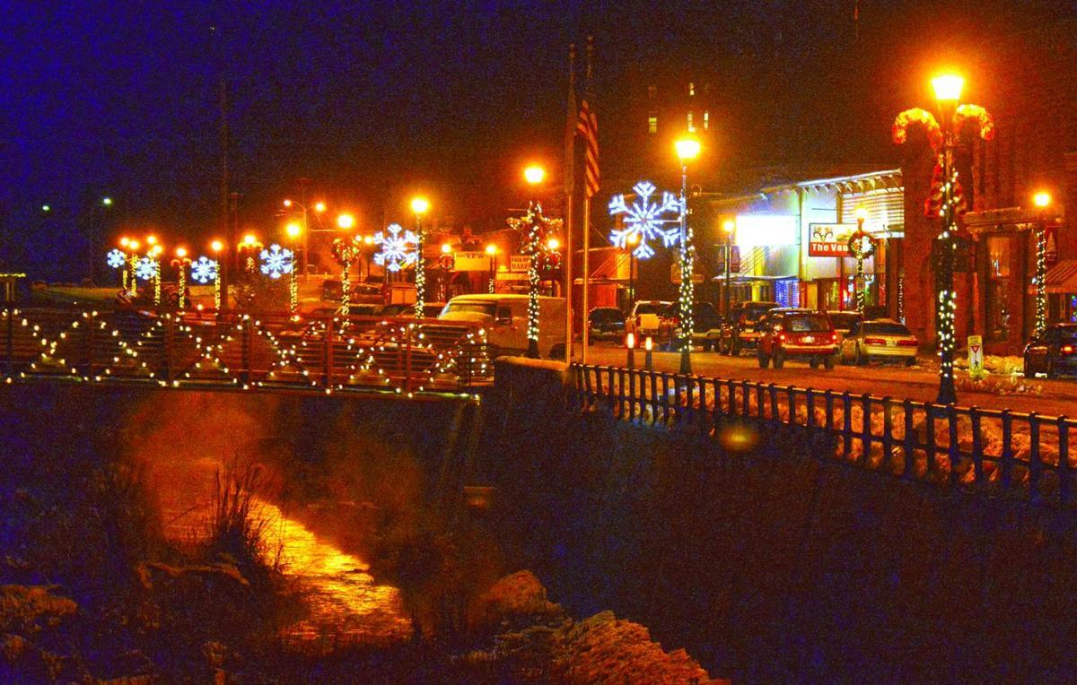 christmas decorations lights make city bright