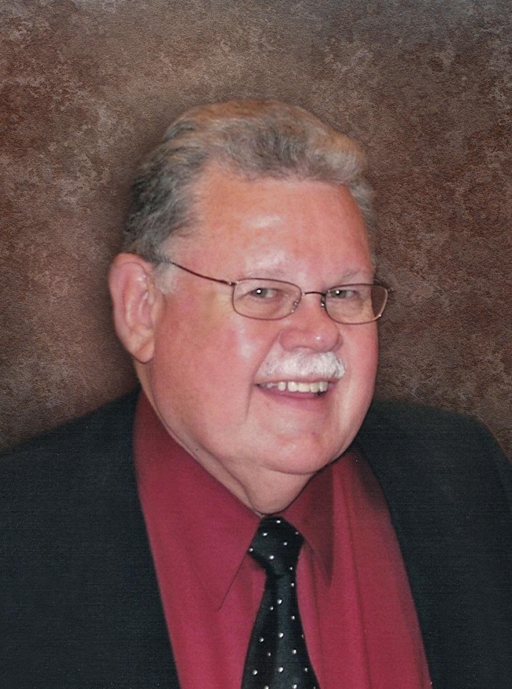 Roger MacNeill