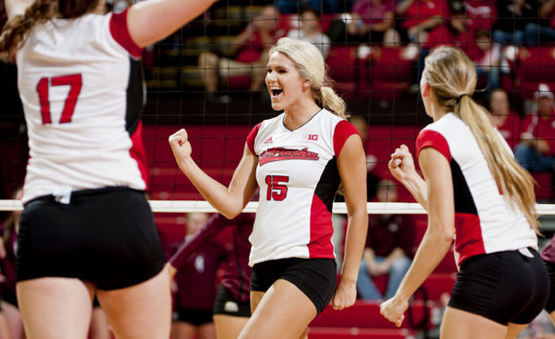 NU Volleyball Kira Larson