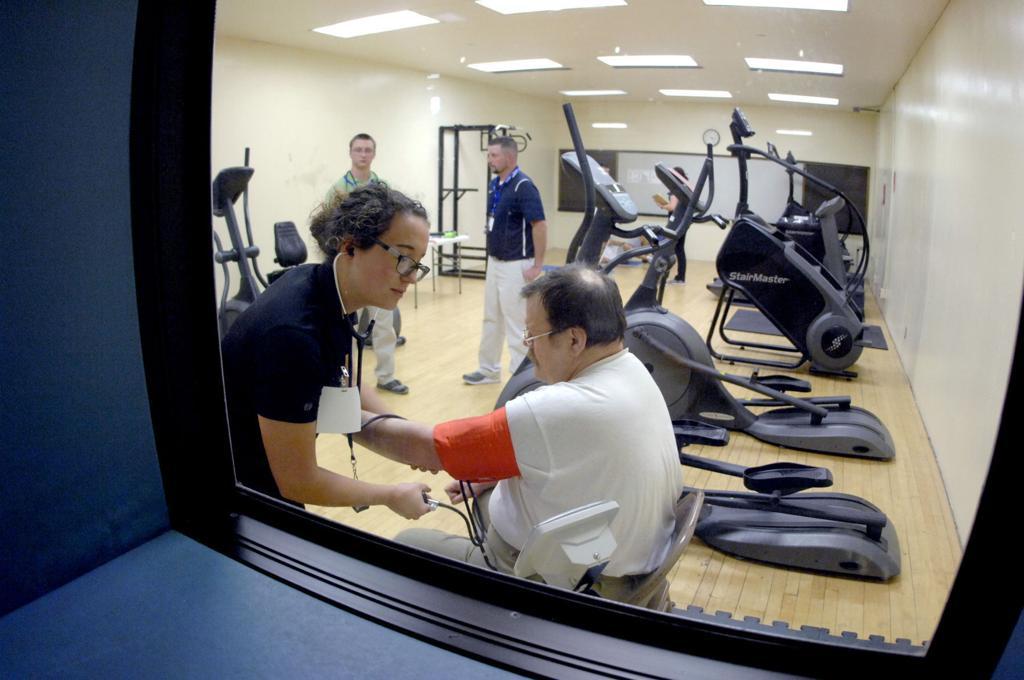 Students Run Exercise Clinic In North Dakota Penitentiary