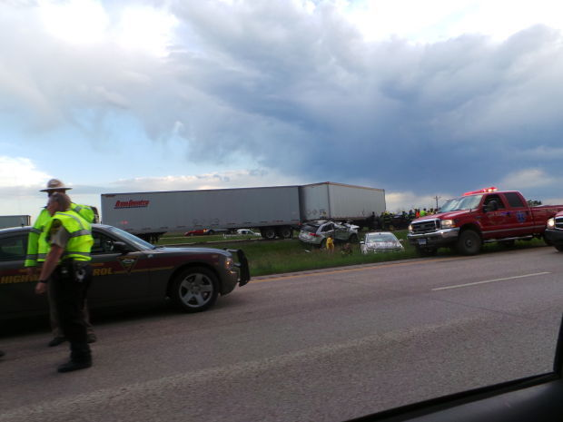 dust storm causes nine vehicle accident that closes i 90 eastbound local. Black Bedroom Furniture Sets. Home Design Ideas