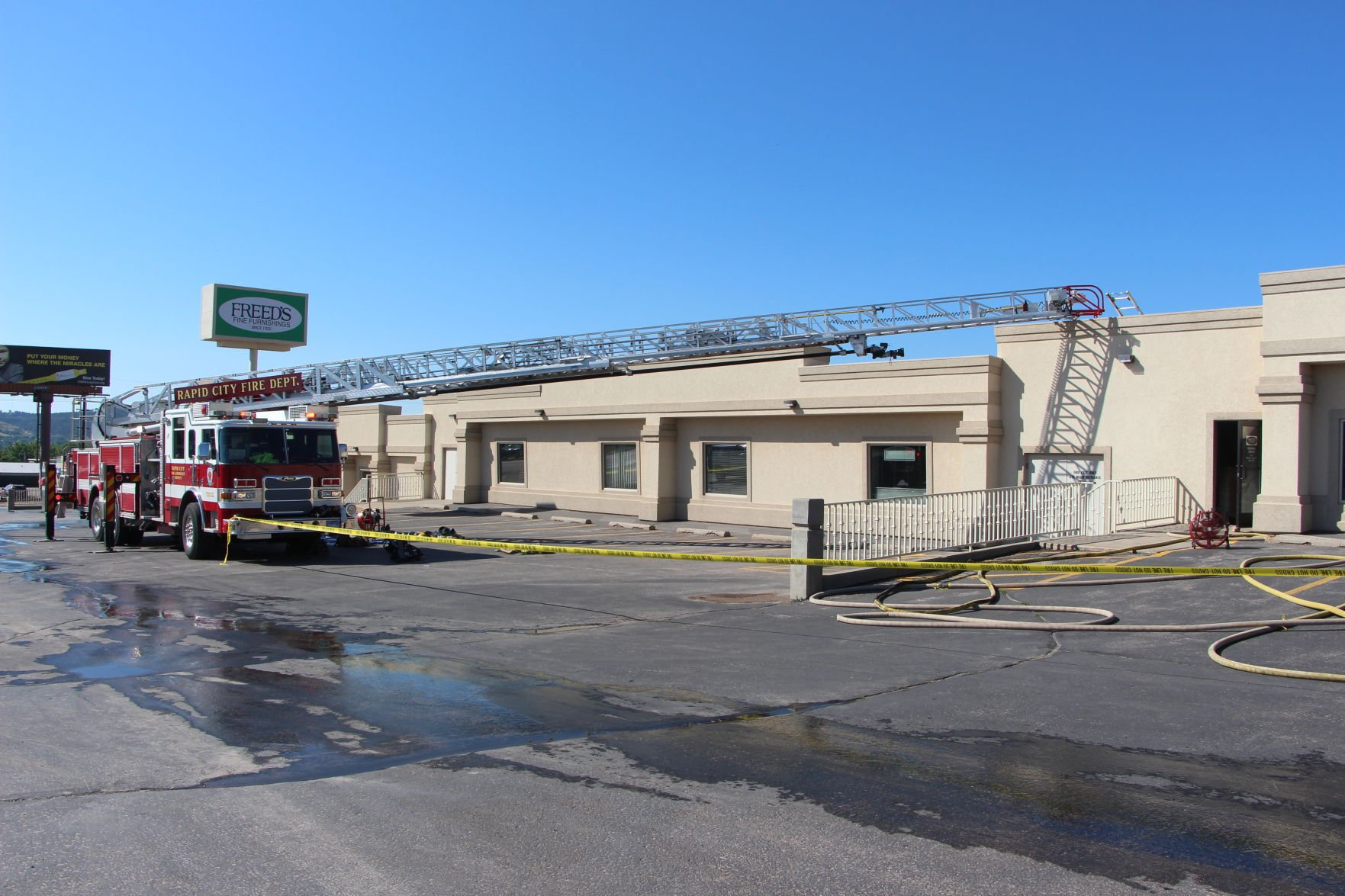 Fire Forces Temporary Closure Of Freedu0027s Furniture Store