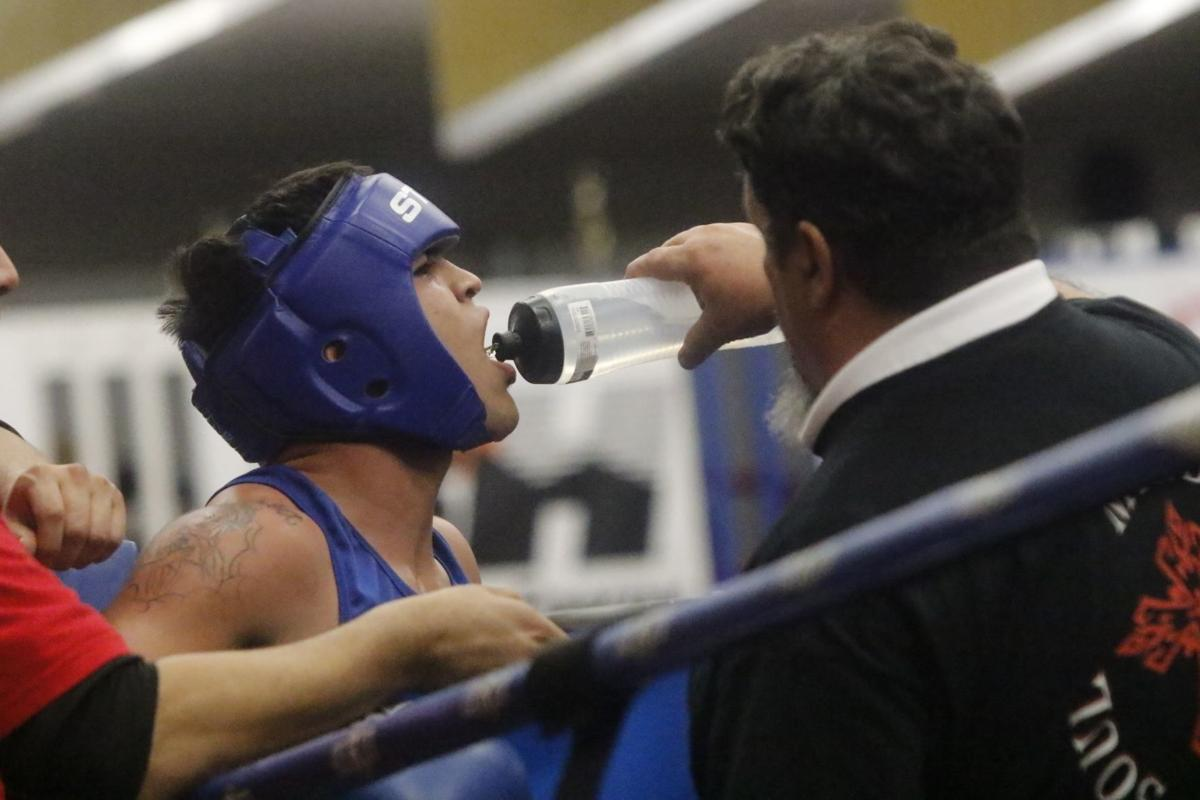 Casper Boxer Sergio Martinez At Home In Rapid City Sports