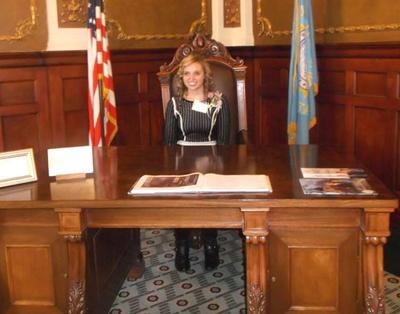 amber at the govs desk