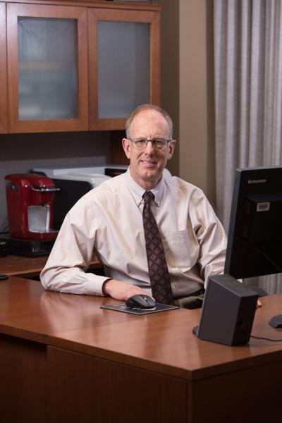 Dr. Daniel Petereit