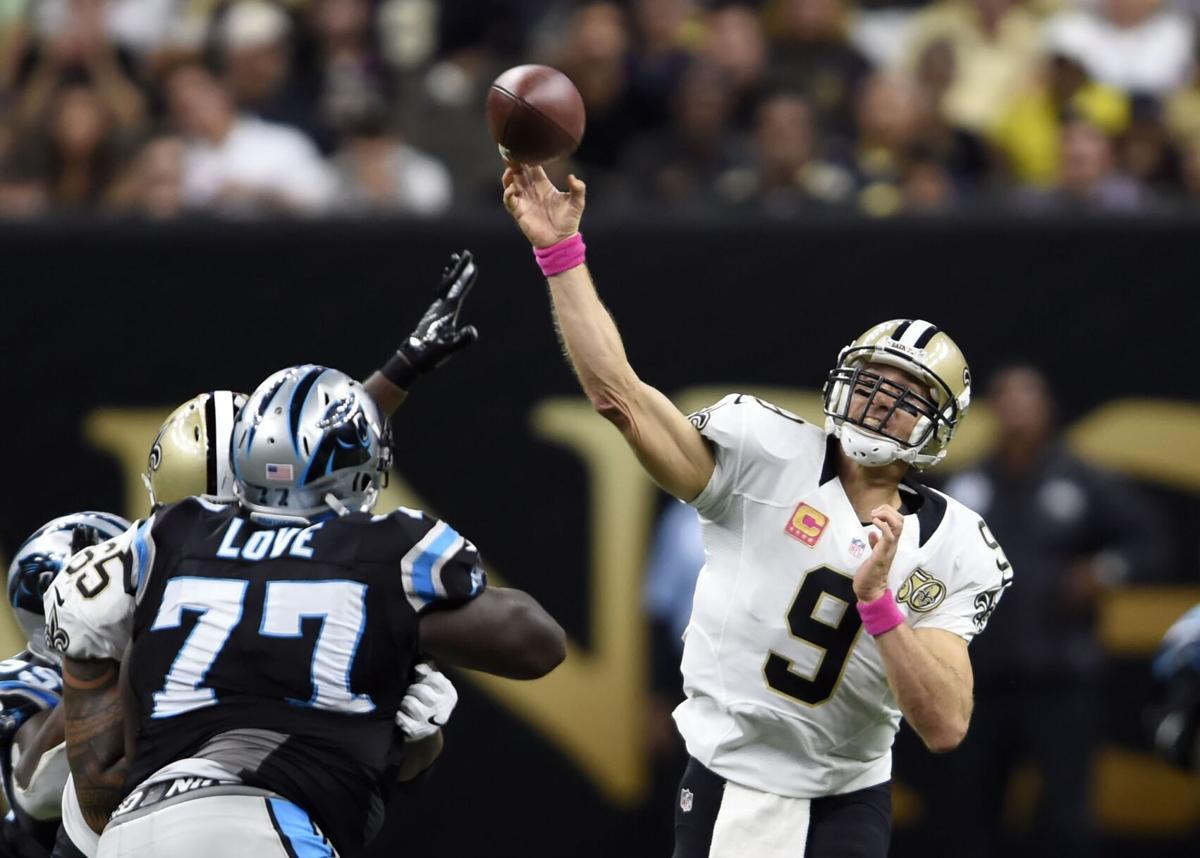 2016: Drew Brees passes Peyton Manning for most 400-yard games in regular season