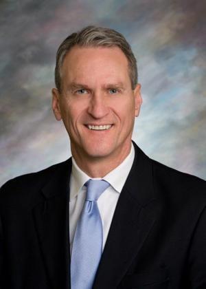 Daugaard vetoes 3 bills; lawmakers could override next week
