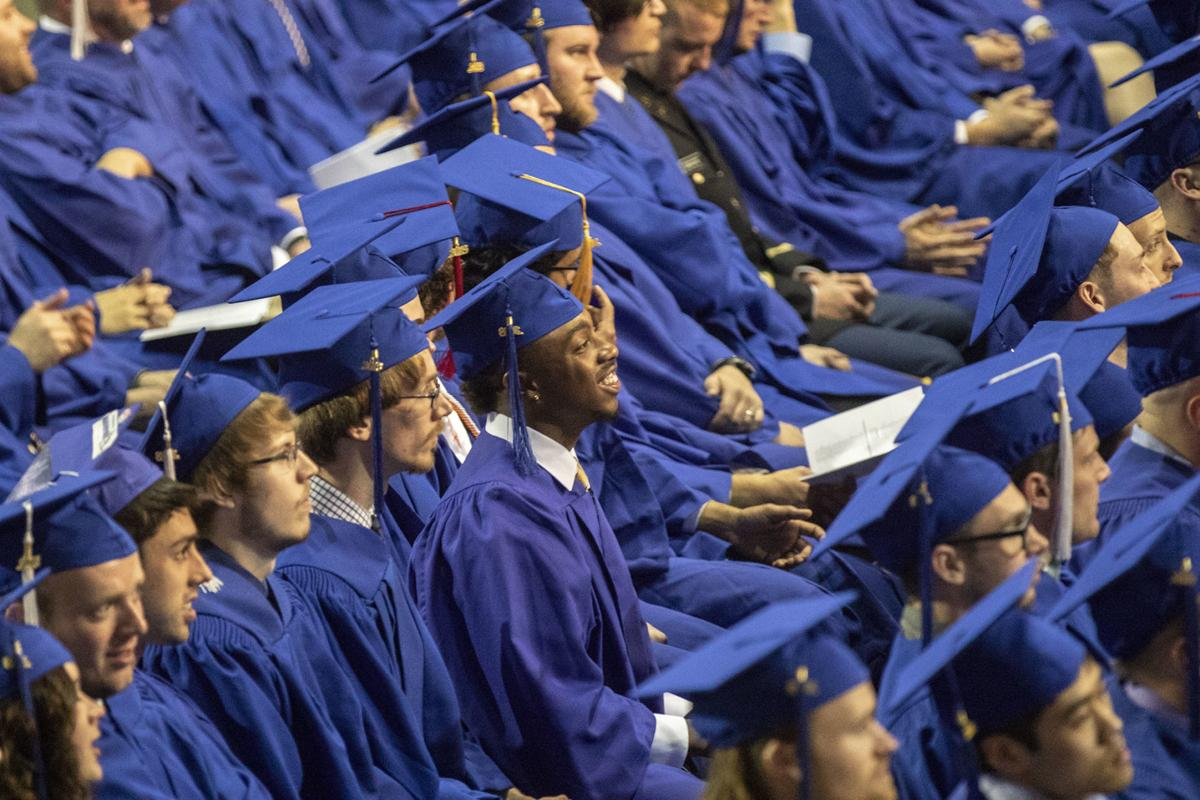 051618-nws-graduationgallery001.jpg