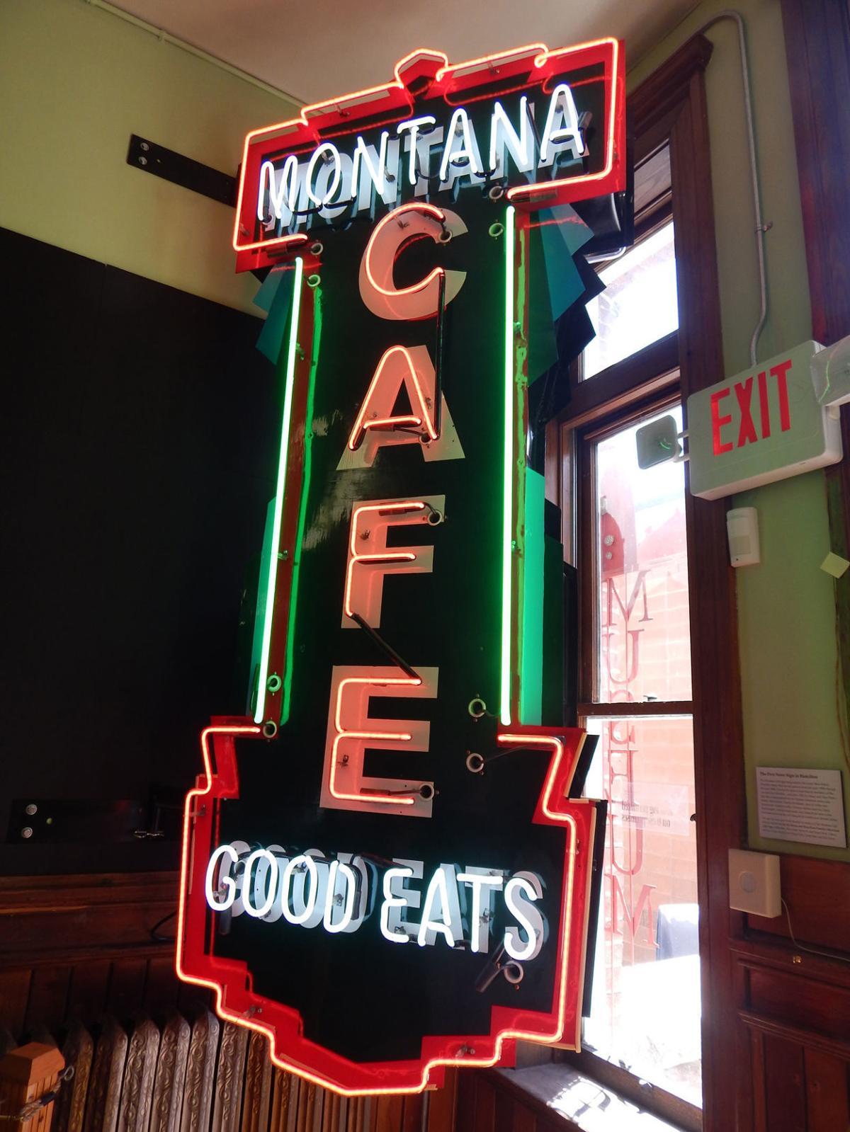 RC Museum Café Neon Sign