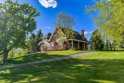 3 Bedroom Home in Hamilton - $789,000