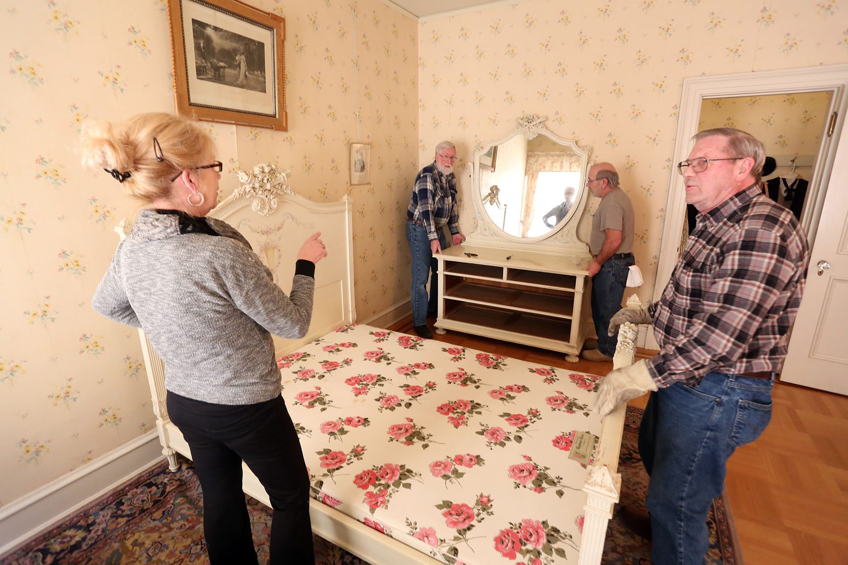 Refurnishing Mollyu0027s Room: Furniture Used By Daly Daughter Finds Its Way  Back To The Mansion