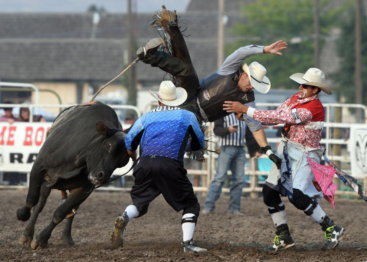 081017 bull riding gallery3.jpg