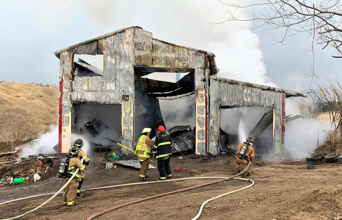 Fire causes $400,000 in damage