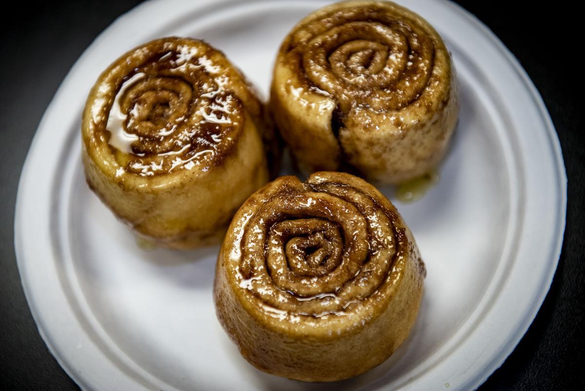Caramel-glazed cinnamon rolles