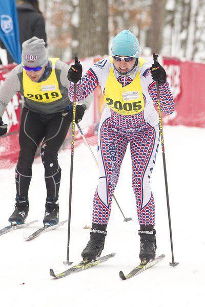 VASA: Davis captures third straight short race