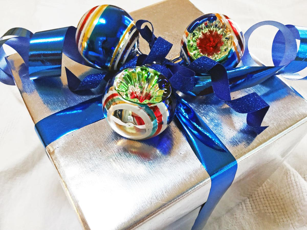 gifts2b.JPG