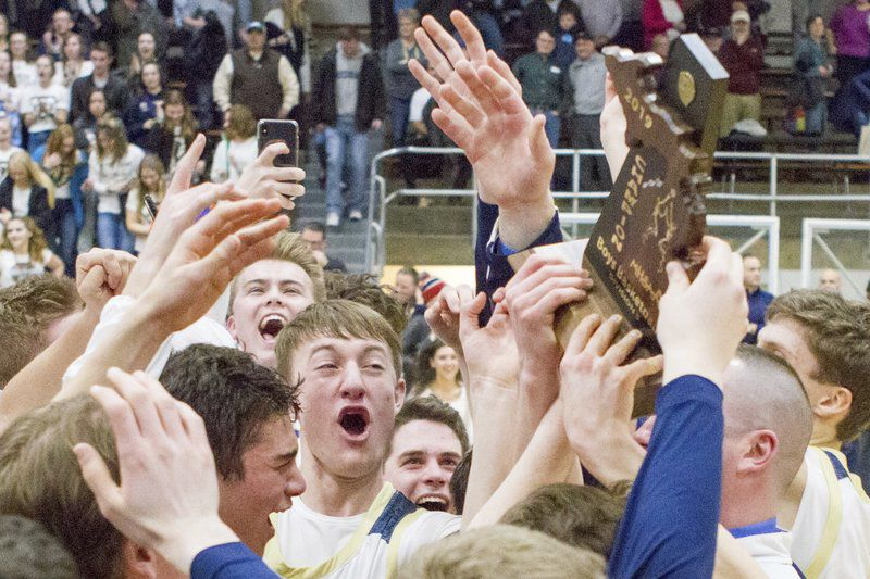 Glad to Win: TC St. Francis upsets Glen Lake in district final, 59-44