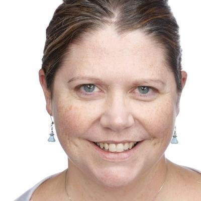 Annie Olds Headshot 2.JPG