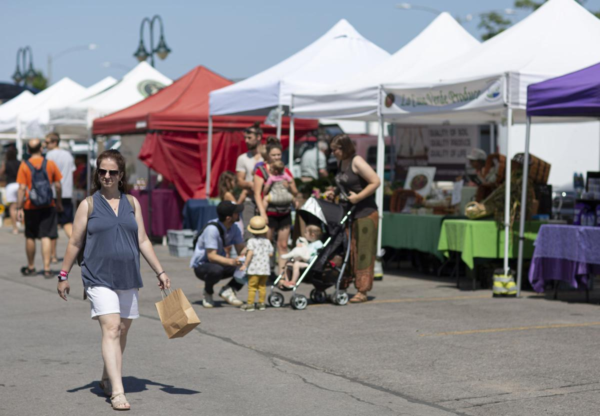 tcr-071819-farmersmarket 2