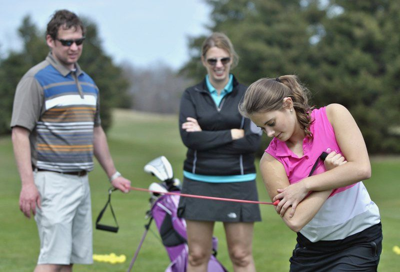 Learning from the best: TC youth learn from local golf professionals
