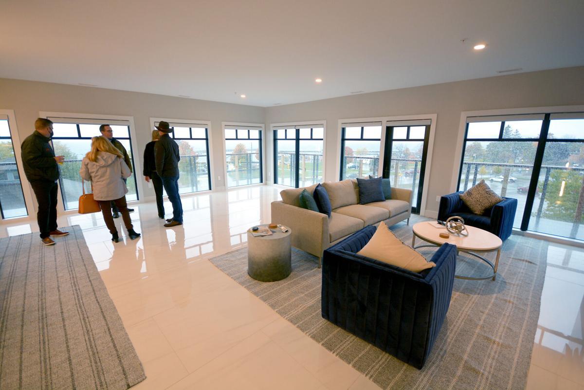 tcr-breakwater-apartments-20201022dn1.jpg