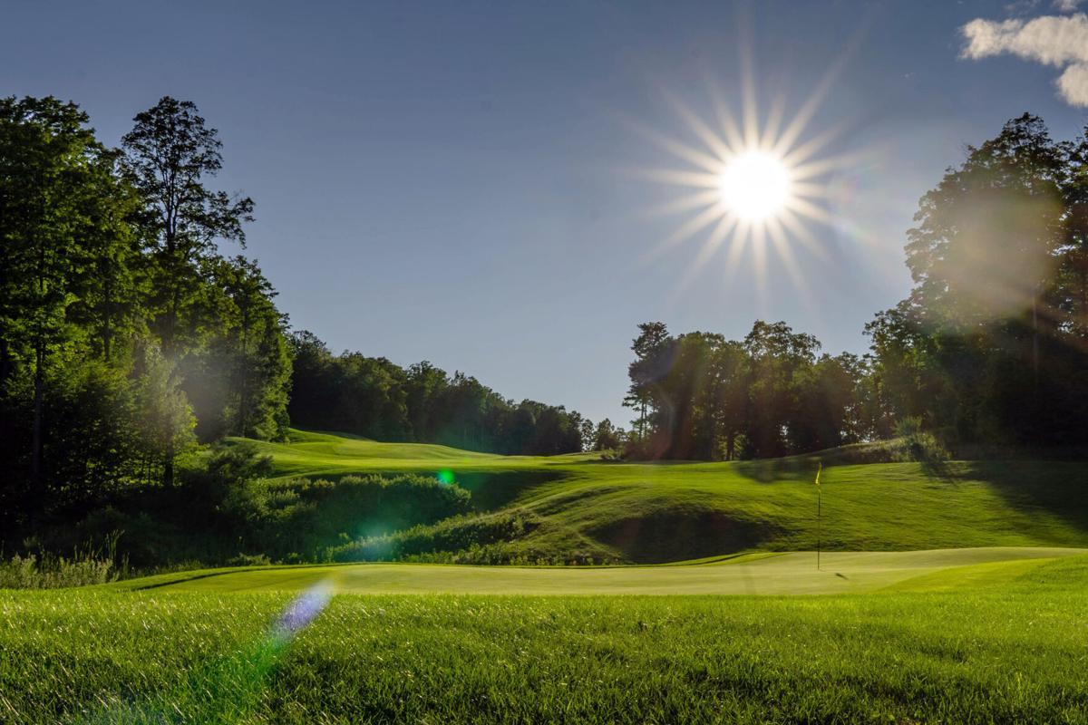 golf_hawkseye_no17.jpg
