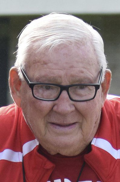 Benzie loses legend Pete Moss; Cross country program founder passes away at 90