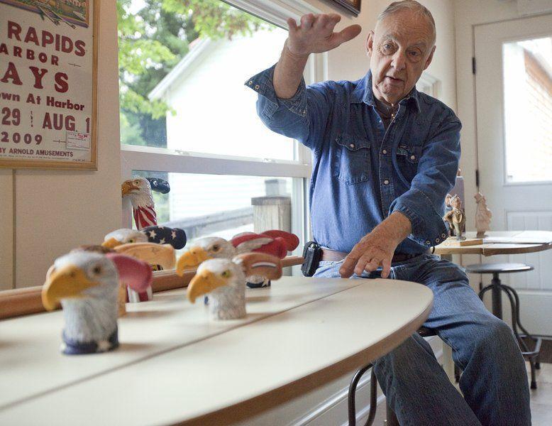 Elk Rapids woodcarvers help Mich  veterans | Lifestyles