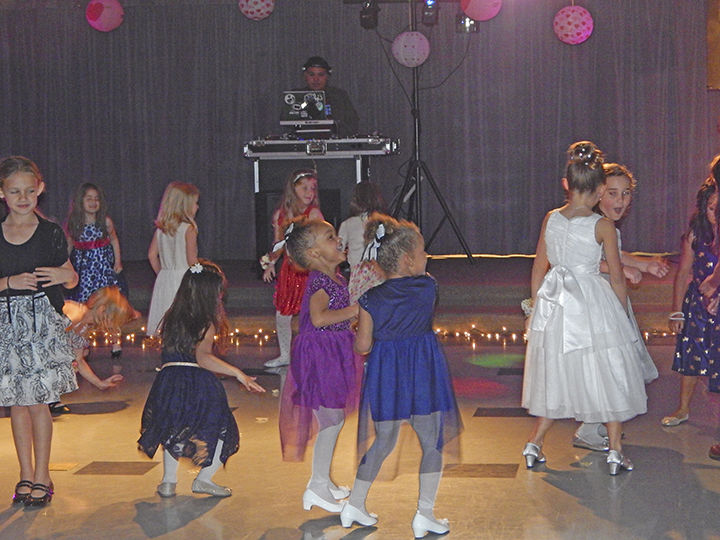 Brookside Elementary Hosts Girls Night Out Dance At School
