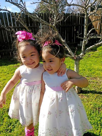 Isabella and Lilyanna Espinoza
