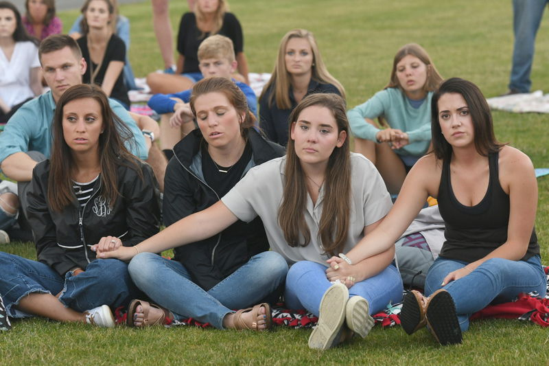 Prayer vigil held for victims of helicopter crash