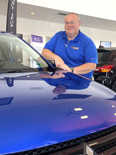 Local sales consultant wins district award