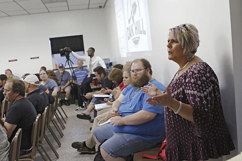 residents speak at oak hill meeting