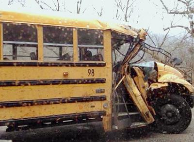 Fayette school bus crash near Montgomery injures students | Local