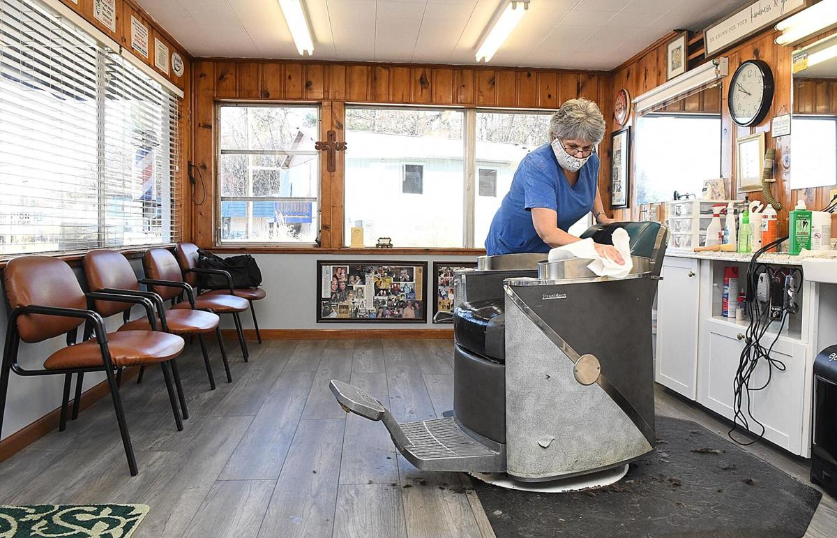 111720 Valley Drive Barber Shop 9.jpg
