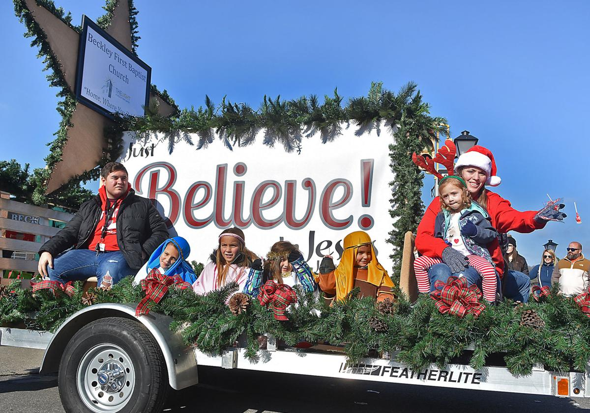 120819 Beckley Christmas Parade 2.jpg
