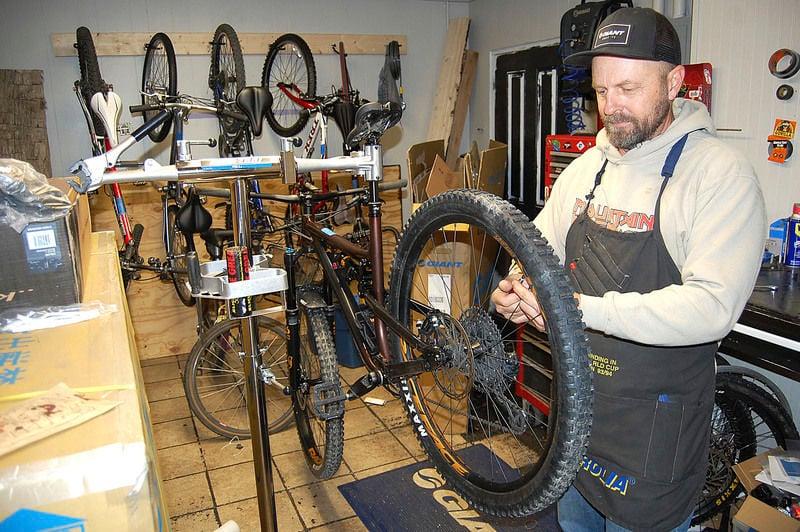 Greenbrier County Bike Shop Opens During Virus Money Register Herald Com