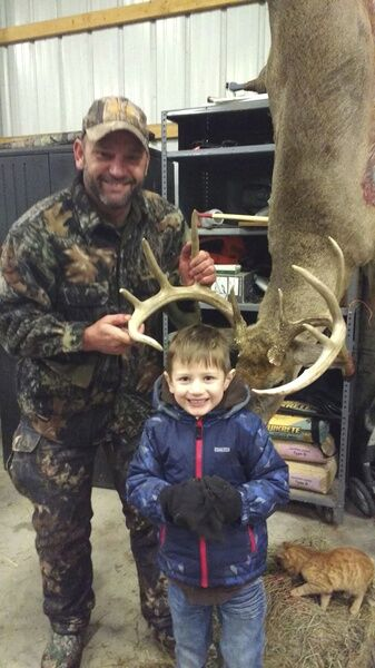 Deer hunting, potted meat and more Letters to the Outdoor Writer!