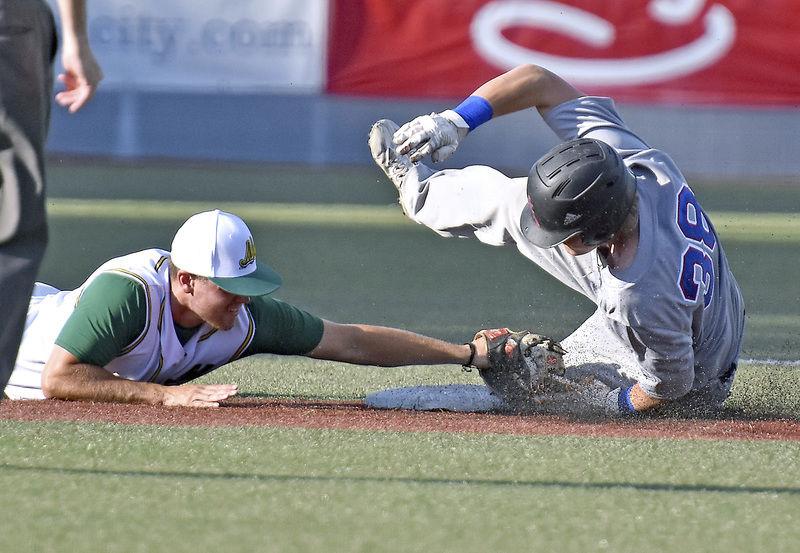 Schaefer's clutch hit leads West Virginia   Sports