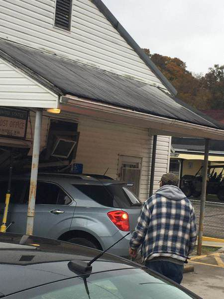 Car crashes into the Kimberly post office