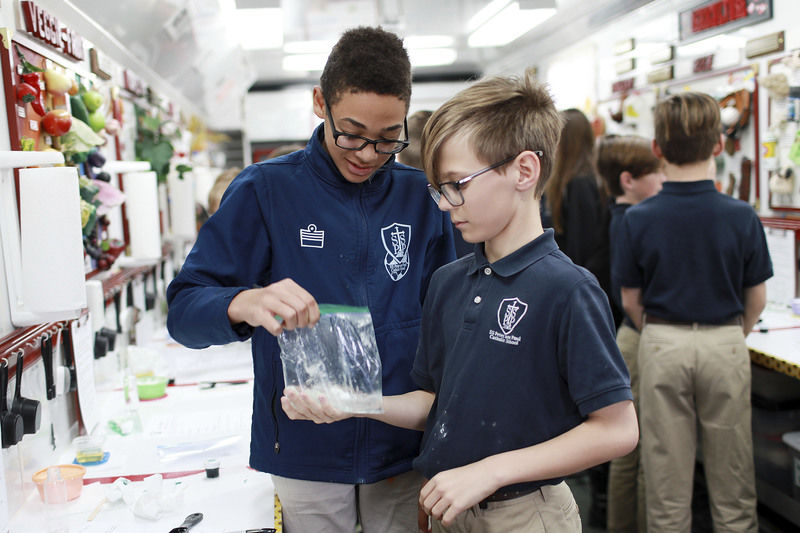 Mobile science lab comes to Oak Hill school, stressing importance of agriculture in everyday living