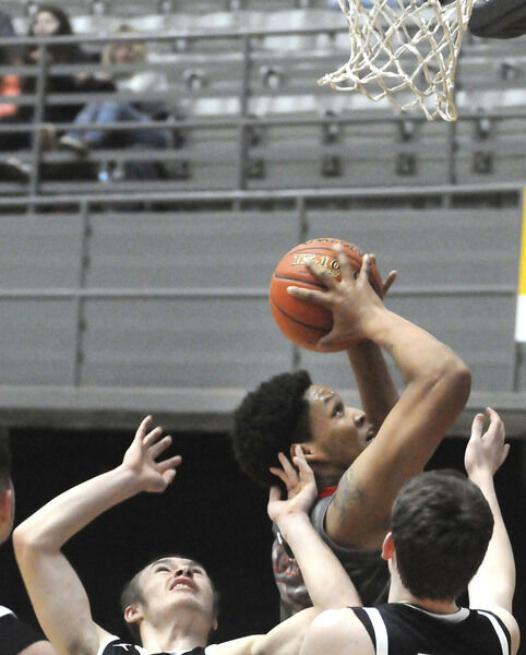 Crusaders nail 17 3-pointers, down Independence