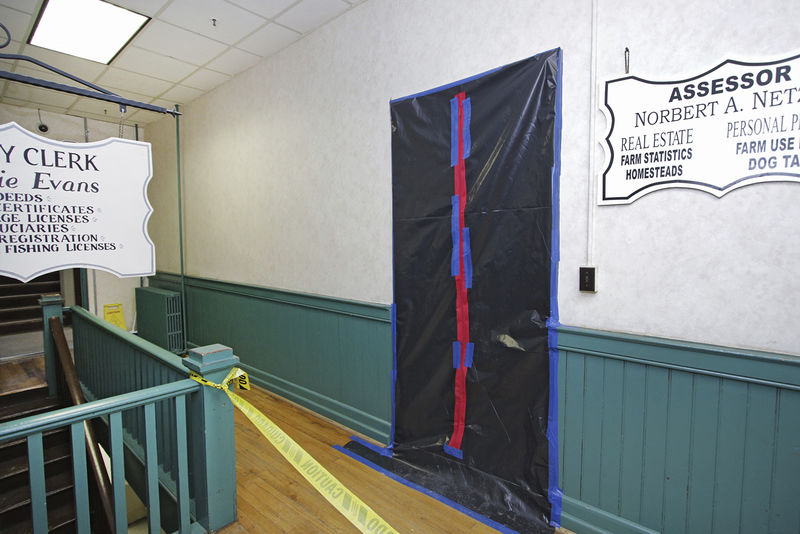 """Courthouse closes for """"black mold"""" remediation"""