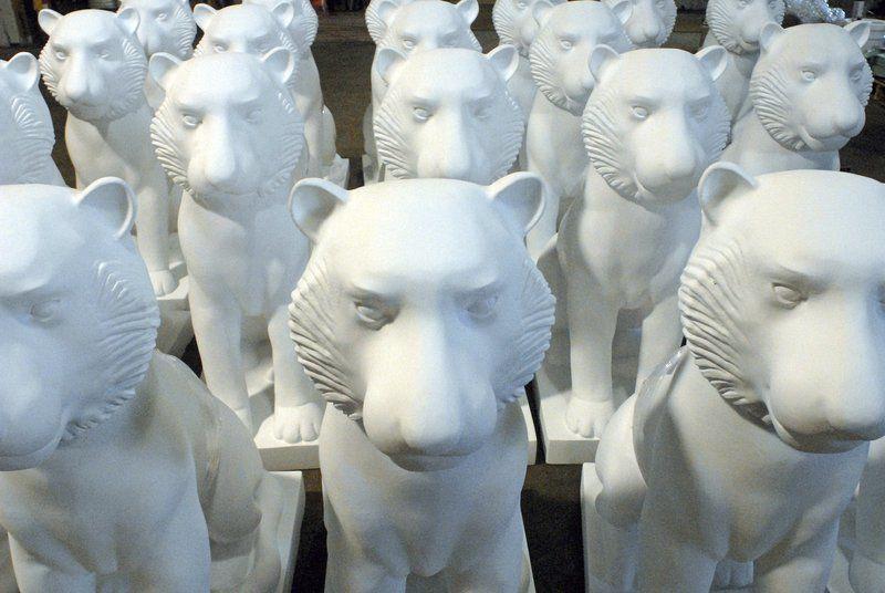 Feline figures for art's sake