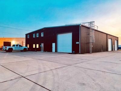 Fiberglass fabricator moves to Whitestown