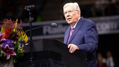 President M. Russell Ballard urges Americans to pray for the country