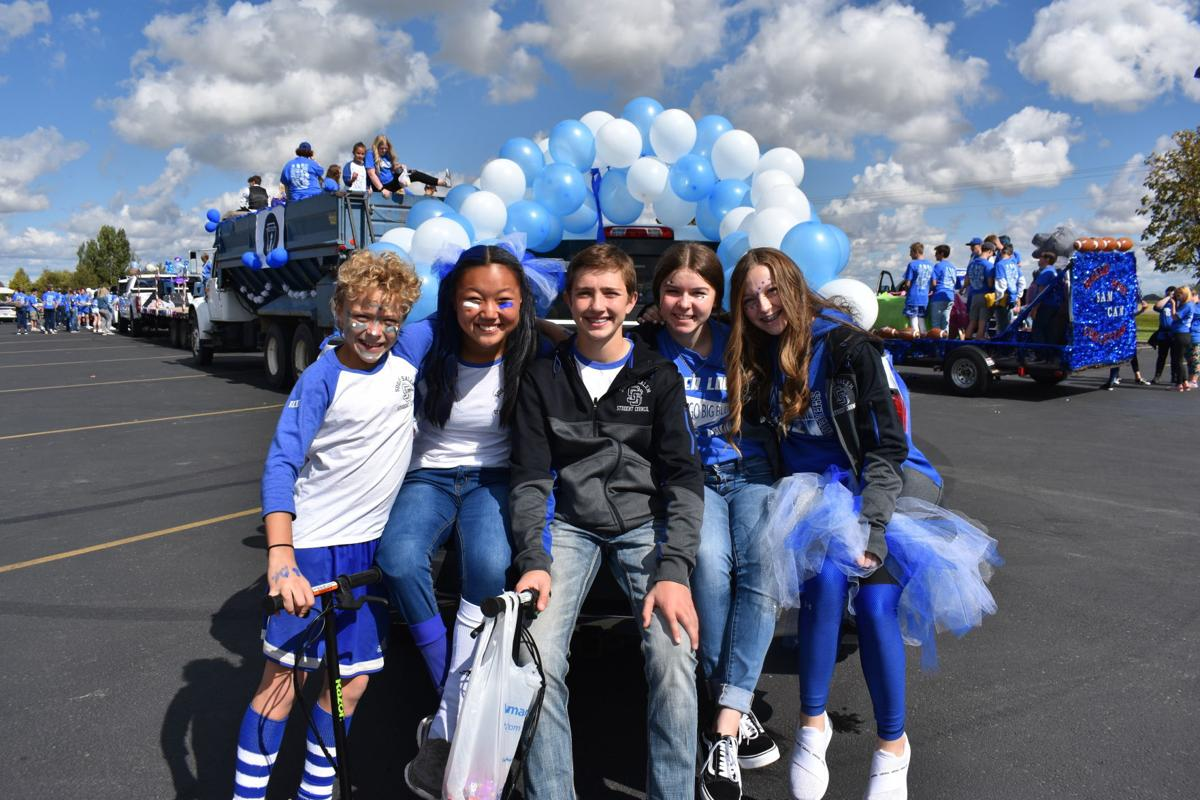 Sugar Salem Diggers celebrate homecoming with a parade on Friday