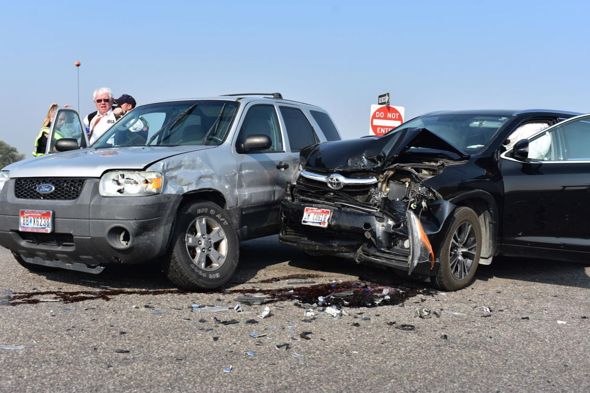Two car accident Monday morning on overpass leading to Salem Highway