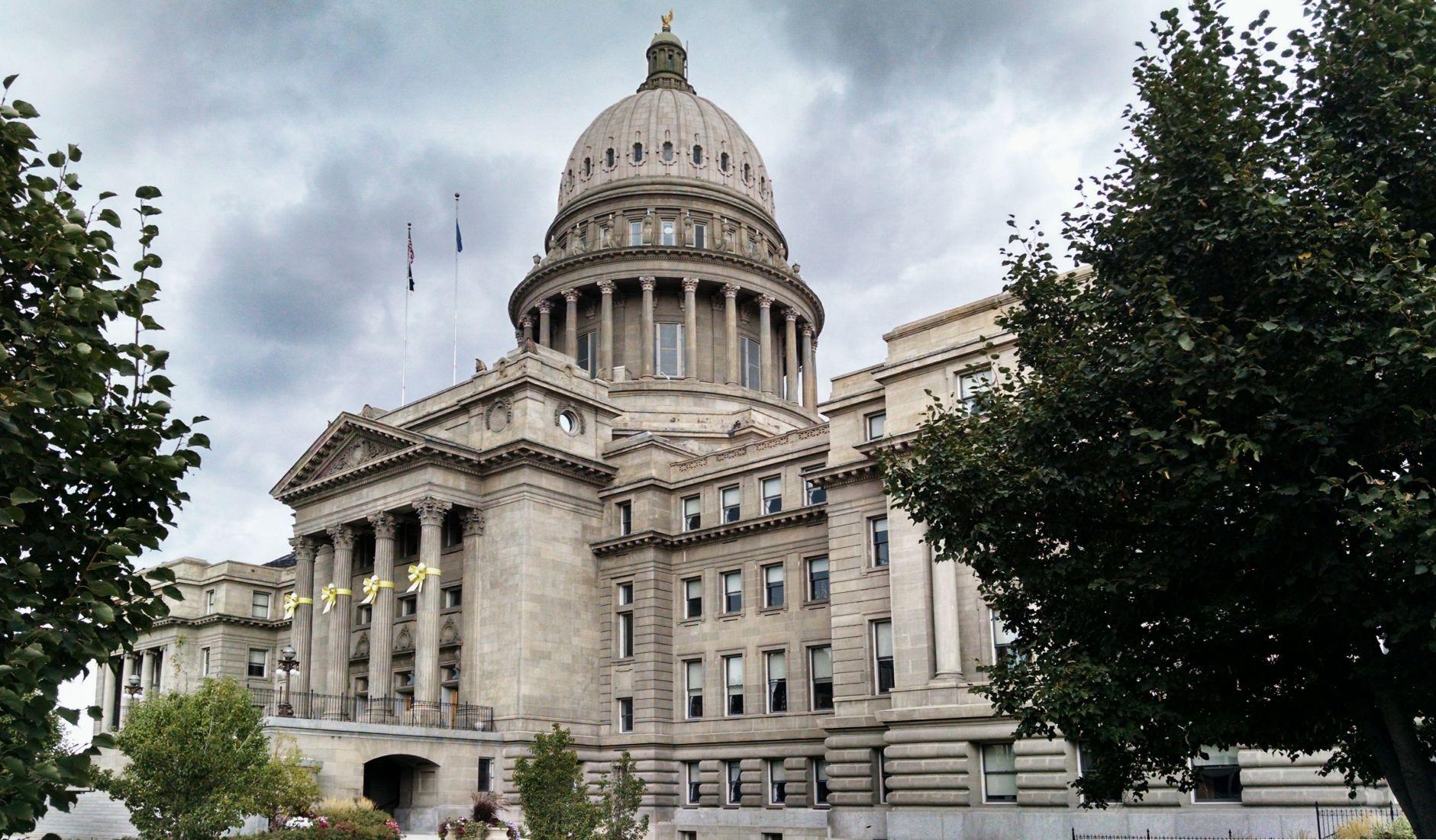 examples retirement letter%0A Capitol building Boise